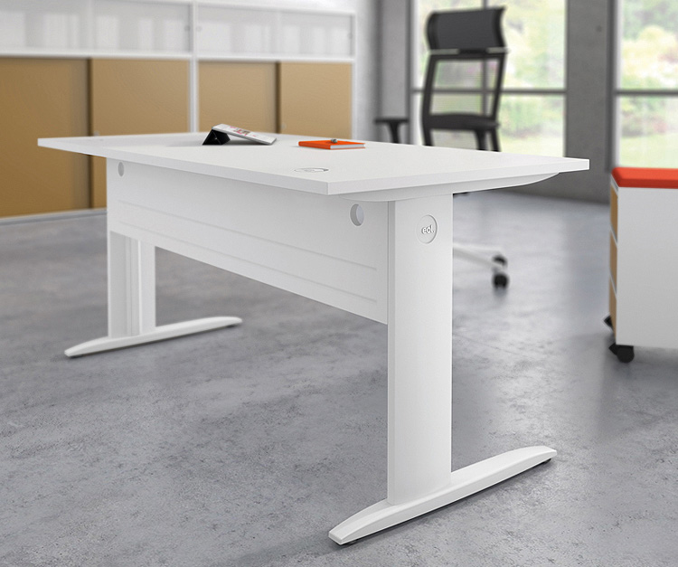 Wand Height Adjustable Desk