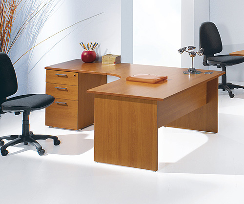 Freon Radial desk and Pedestal