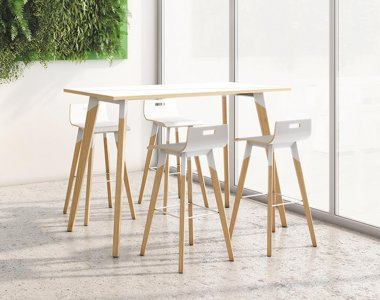 Evasion White High Bench Table & Stools